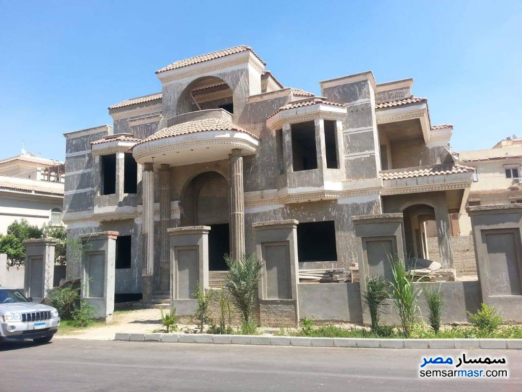 Ad Photo: Villa 5 bedrooms 4 baths 1050 sqm semi finished in 6th of October
