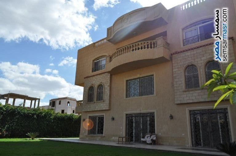 Ad Photo: Villa 6 bedrooms 6 baths 750 sqm extra super lux in Sheikh Zayed  6th of October