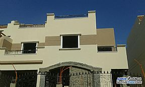 Ad Photo: Villa 8 bedrooms 4 baths 470 sqm semi finished in Dreamland  6th of October