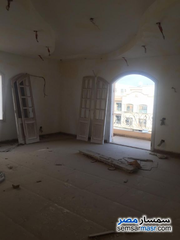 Ad Photo: Villa 15 bedrooms 8 baths 630 sqm semi finished in Fifth Settlement  Cairo