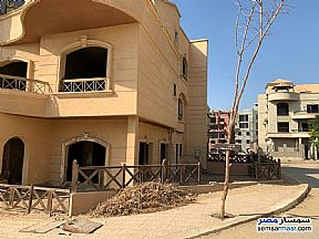 Ad Photo: Villa 6 bedrooms 5 baths 400 sqm semi finished in Mokattam  Cairo