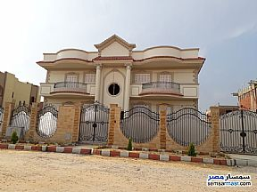 Ad Photo: Villa 8 bedrooms 4 baths 648 sqm lux in 10th Of Ramadan  Sharqia