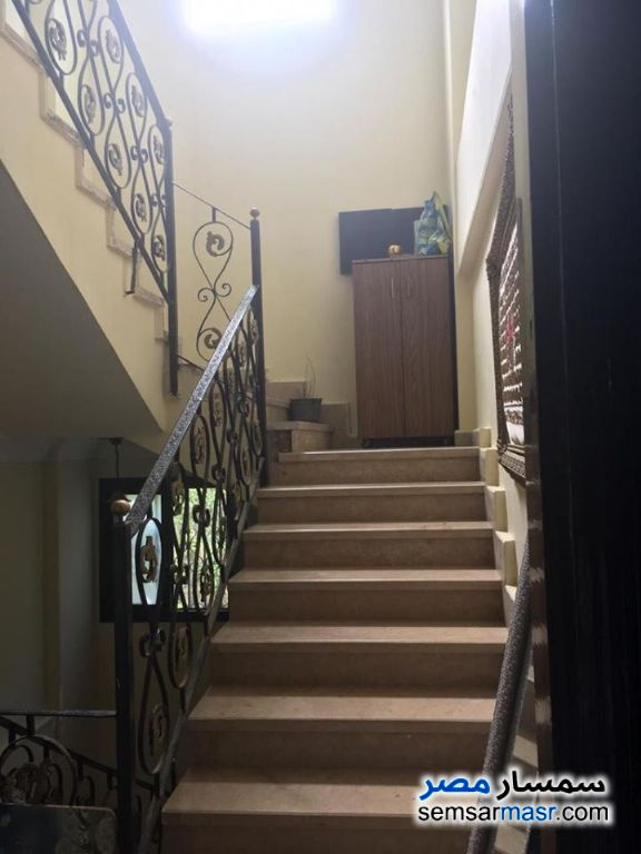 Ad Photo: Villa 10 bedrooms 6 baths 650 sqm extra super lux in El Ubour City  Qalyubiyah