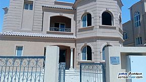 Ad Photo: Villa 5 bedrooms 4 baths 710 sqm semi finished in Dreamland  6th of October