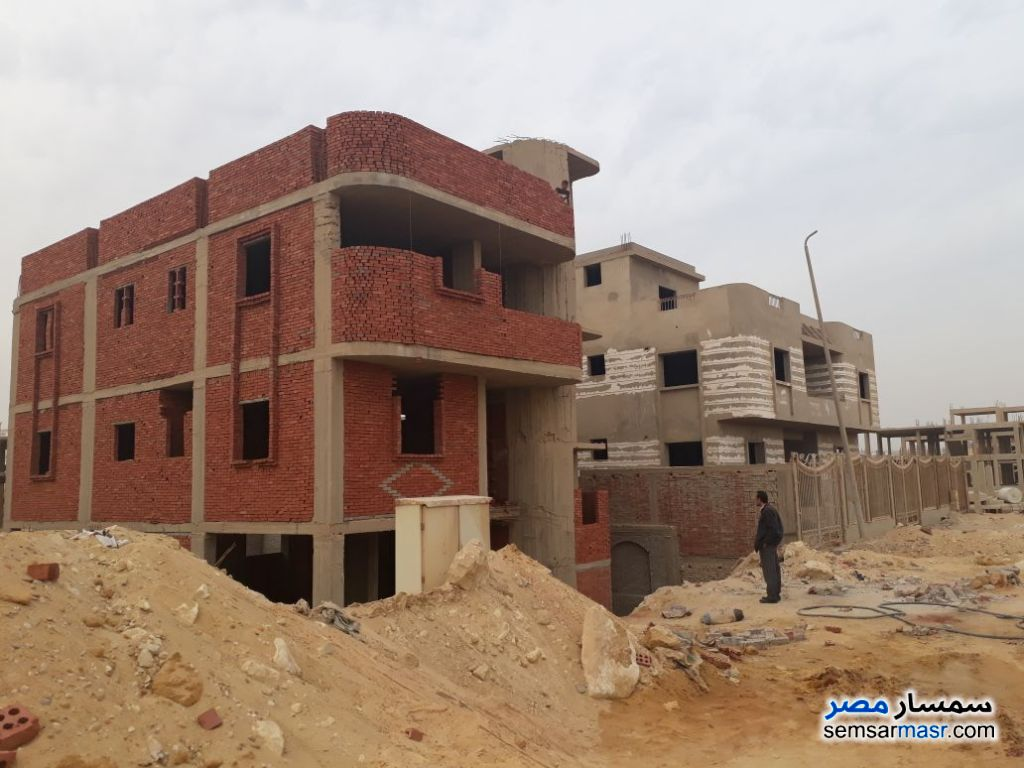Photo 1 - Villa 5 bedrooms 3 baths 400 sqm without finish For Sale Mukhabarat Land 6th of October