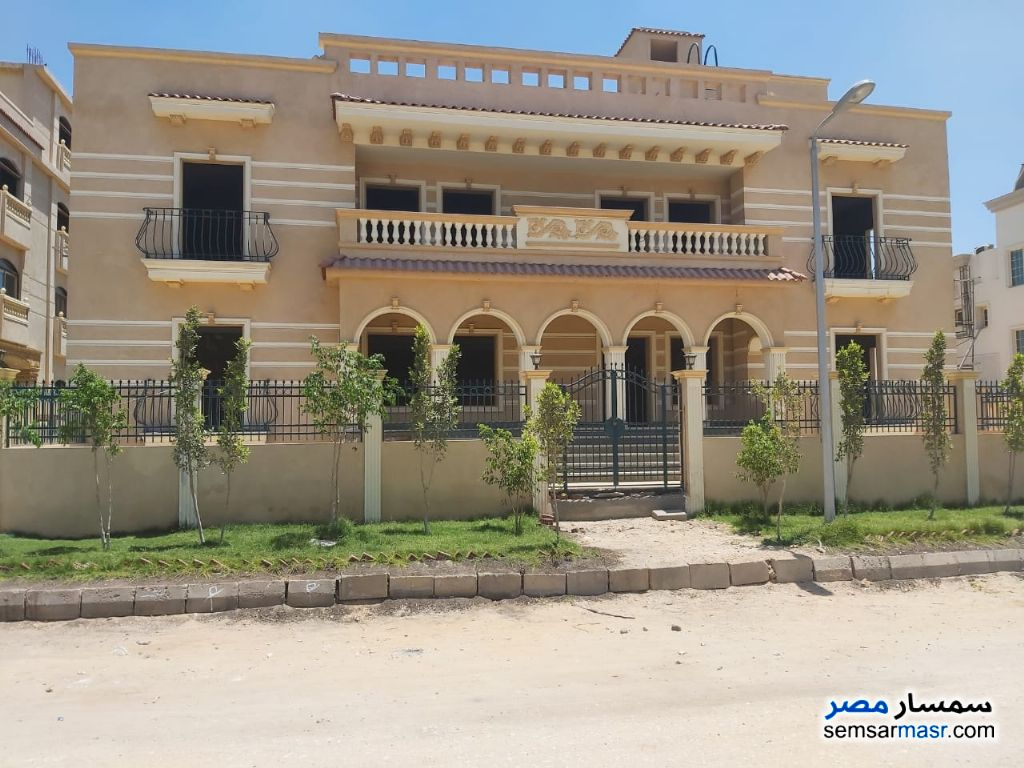 Photo 1 - Villa 5 bedrooms 3 baths 1,003 sqm semi finished For Sale El Ubour City Qalyubiyah