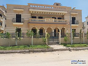 Ad Photo: Villa 5 bedrooms 3 baths 1003 sqm semi finished in El Ubour City  Qalyubiyah