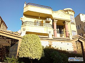Ad Photo: Villa 5 bedrooms 5 baths 600 sqm extra super lux in West Somid  6th of October