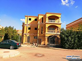 Ad Photo: Villa 5 bedrooms 4 baths 325 sqm semi finished in New Heliopolis  Cairo
