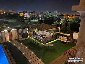 Ad Photo: Villa 5 bedrooms 5 baths 650 sqm extra super lux in Madinaty  Cairo
