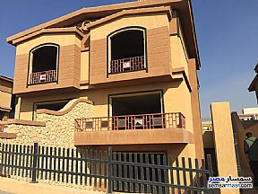 Villa 5 bedrooms 4 baths 330 sqm semi finished For Sale Sheikh Zayed 6th of October - 1