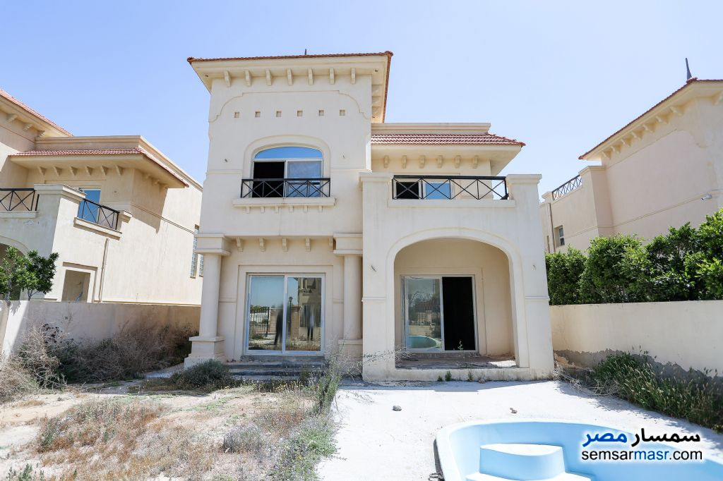 Ad Photo: Villa 6 bedrooms 3 baths 377 sqm semi finished in King Maryot  Alexandira
