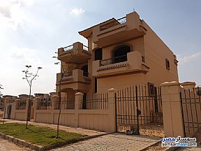 Ad Photo: Villa 3 bedrooms 2 baths 600 sqm super lux in Dreamland  6th of October