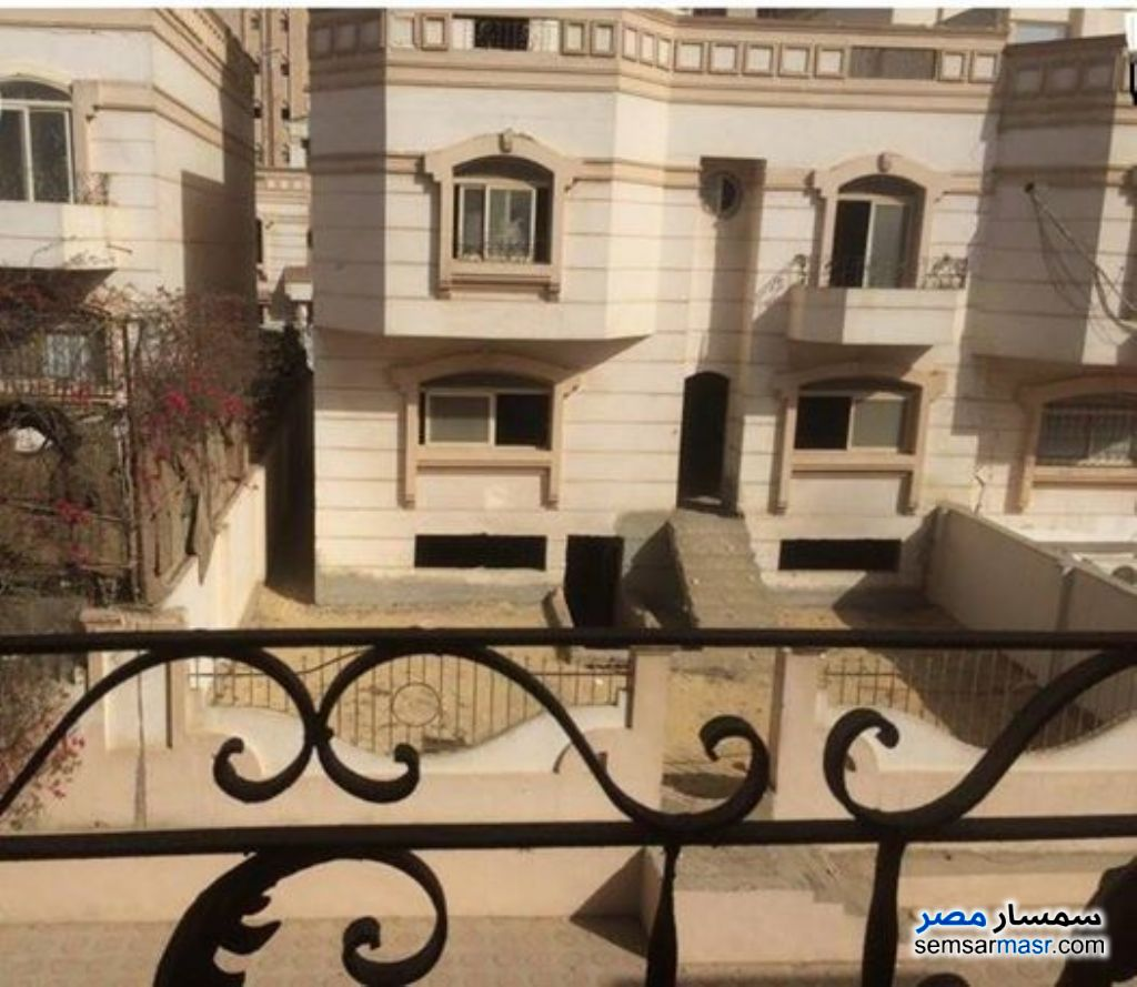 Ad Photo: Villa 4 bedrooms 3 baths 405 sqm super lux in Maadi  Cairo