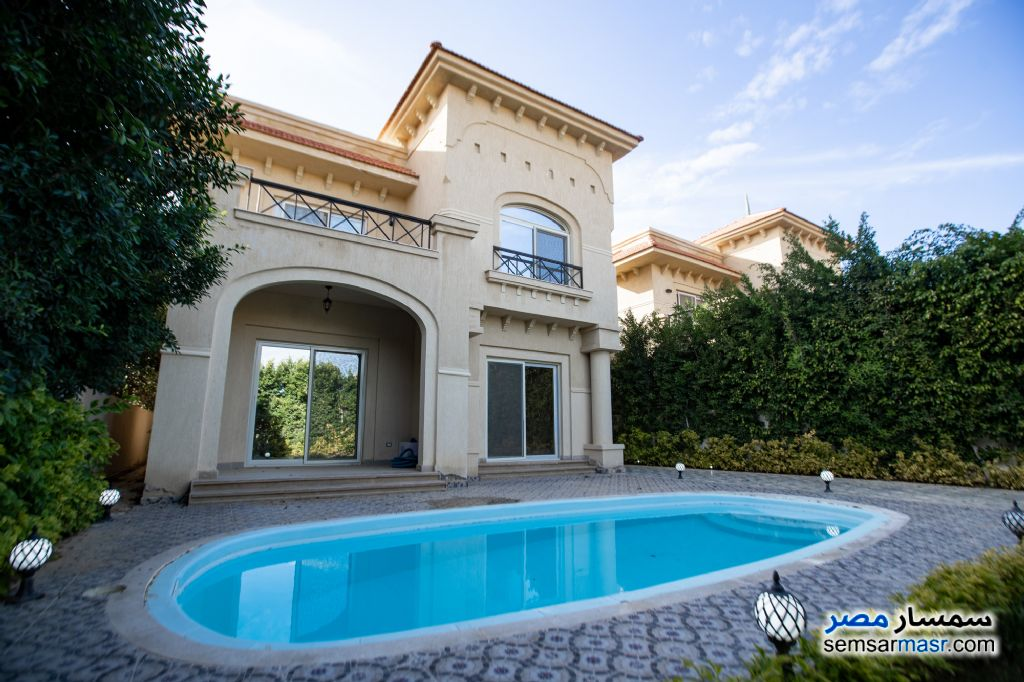Ad Photo: Villa 6 bedrooms 4 baths 393 sqm super lux in King Maryot  Alexandira