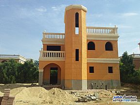 Ad Photo: Villa 4 bedrooms 3 baths 217 sqm without finish in Shorouk City  Cairo