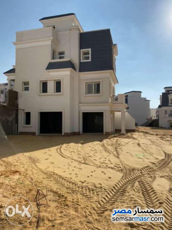 Ad Photo: Villa 4 bedrooms 5 baths 328 sqm semi finished in North Extensions  6th of October