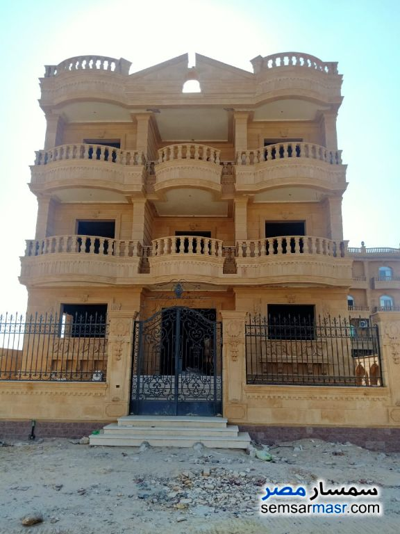 Ad Photo: Villa 18 bedrooms 10 baths 600 sqm semi finished in West Somid  6th of October