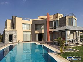 Ad Photo: Villa 5 bedrooms 4 baths 600 sqm extra super lux in Sheikh Zayed  6th of October