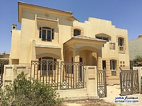 Ad Photo: Villa 5 bedrooms 4 baths 993 sqm semi finished in Beta Gardens  6th of October