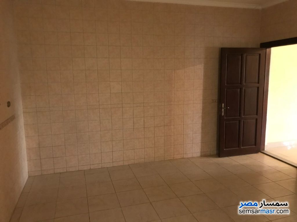 Photo 18 - Villa 3 bedrooms 3 baths 370 sqm extra super lux For Sale Fifth Settlement Cairo