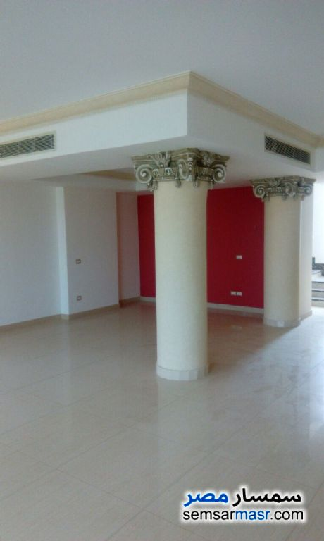 Photo 4 - Villa 6 bedrooms 6 baths 700 sqm extra super lux For Sale Sheikh Zayed 6th of October