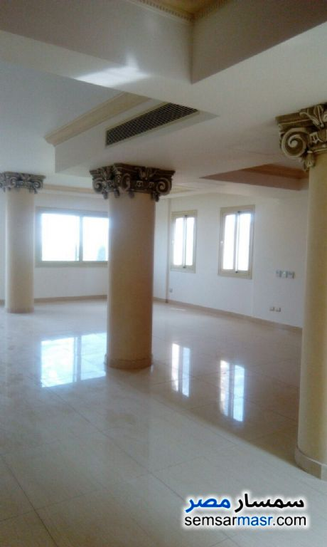 Photo 10 - Villa 6 bedrooms 6 baths 700 sqm extra super lux For Sale Sheikh Zayed 6th of October