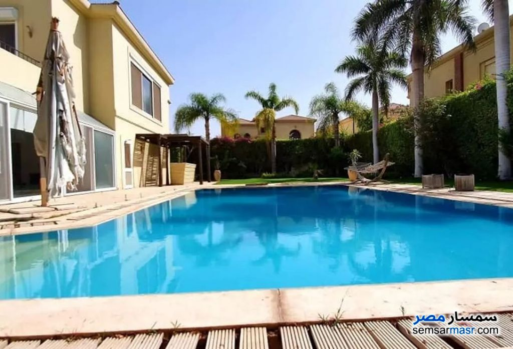 Ad Photo: Villa 6 bedrooms 4 baths 750 sqm semi finished in Sheikh Zayed  6th of October