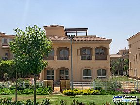 Villa 4 bedrooms 4 baths 730 sqm super lux For Sale Madinaty Cairo - 21