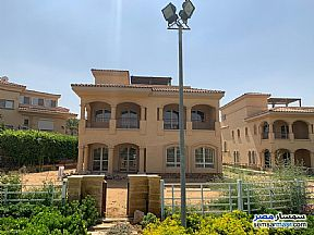 Villa 4 bedrooms 4 baths 730 sqm super lux For Sale Madinaty Cairo - 6