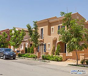 Ad Photo: Villa 5 bedrooms 5 baths 440 sqm semi finished in Fifth Settlement  Cairo