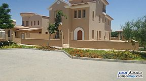 Ad Photo: Villa 9 bedrooms 5 baths 550 sqm semi finished in Fifth Settlement  Cairo