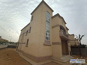 Ad Photo: Villa 5 bedrooms 4 baths 376 sqm extra super lux in Rehab City  Cairo