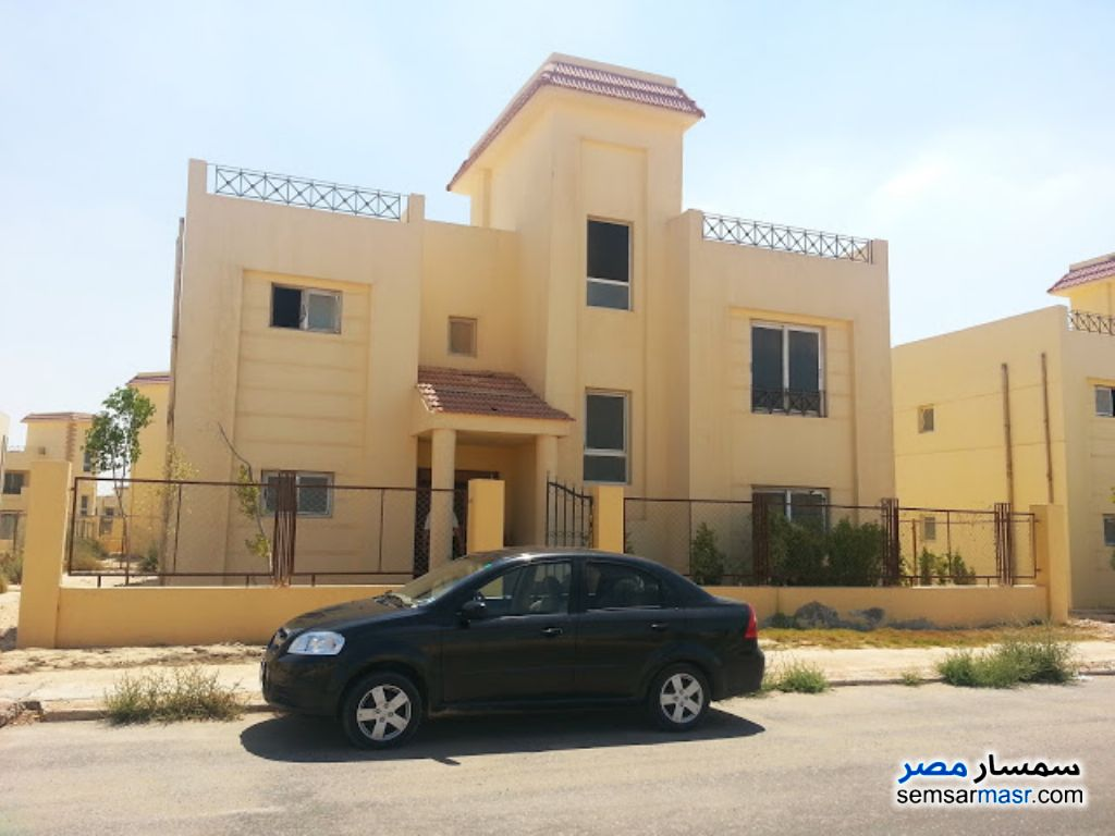 Ad Photo: Villa 5 bedrooms 4 baths 1000 sqm semi finished in Sphinx City  6th of October
