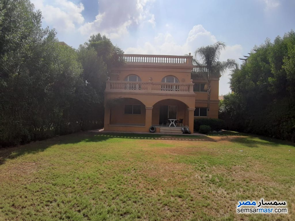 Ad Photo: Villa 4 bedrooms 3 baths 550 sqm in Shorouk City  Cairo