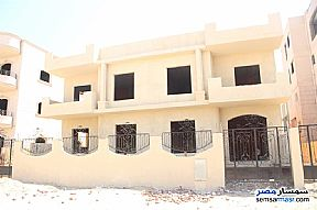 Ad Photo: Villa 12 bedrooms 12 baths 600 sqm semi finished in El Ubour City  Qalyubiyah