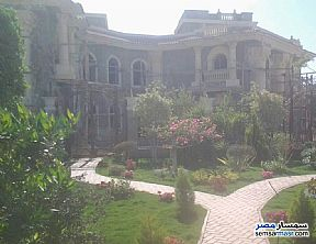 Ad Photo: Villa 20 bedrooms 7 baths 1600 sqm semi finished in Shorouk City  Cairo