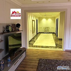 Ad Photo: Villa 5 bedrooms 7 baths 1000 sqm extra super lux in Sheikh Zayed  6th of October