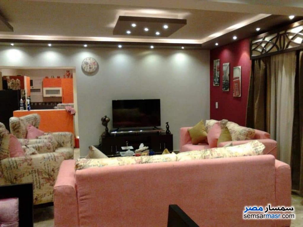 Photo 1 - Villa 17 bedrooms 13 baths 1,000 sqm extra super lux For Sale AL Mansoureyah Giza