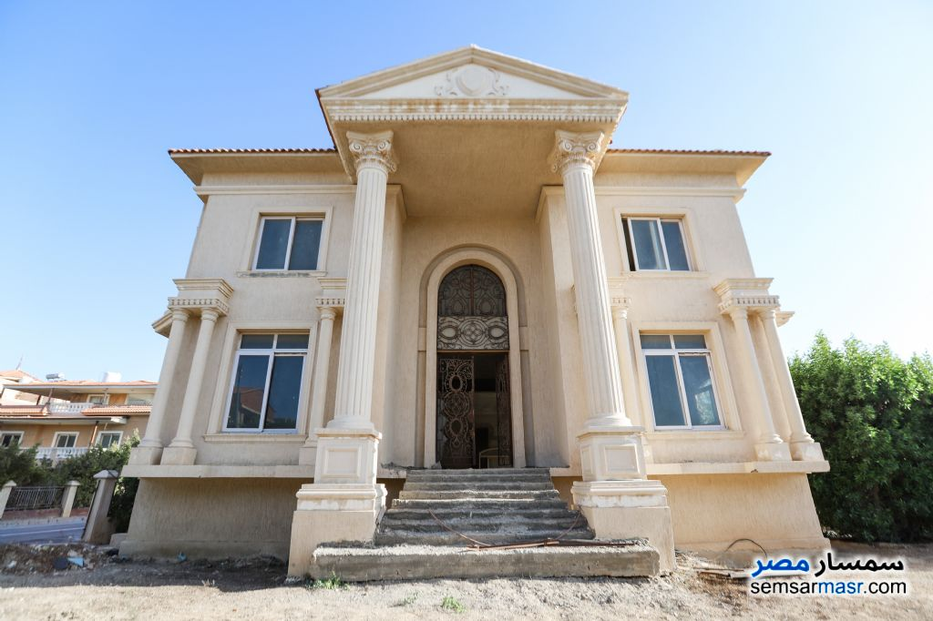 Ad Photo: Villa 15 bedrooms 7 baths 1200 sqm without finish in King Maryot  Alexandira