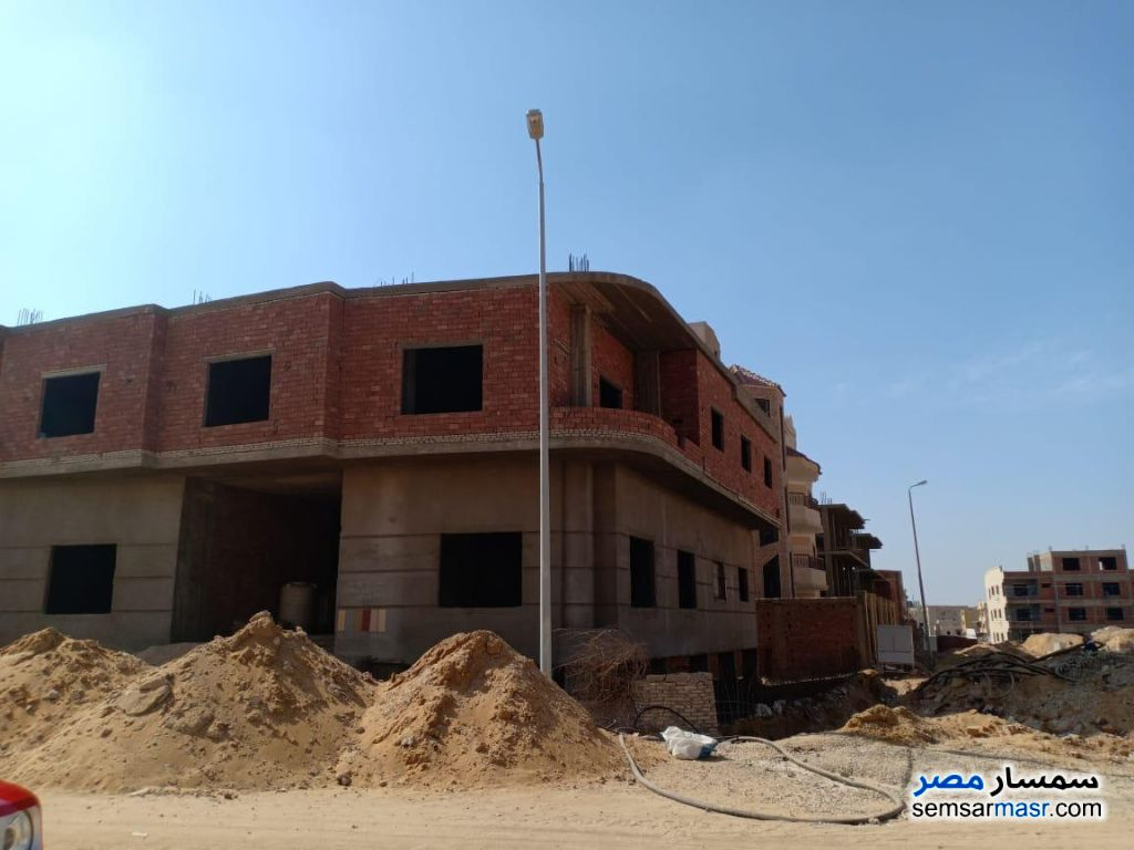 Ad Photo: Building 820 sqm semi finished in Fifth Settlement  Cairo