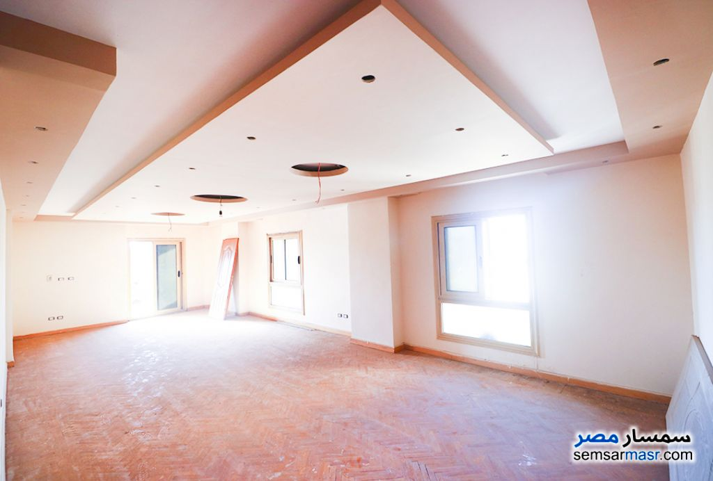 Ad Photo: Apartment 3 bedrooms 2 baths 180 sqm super lux in Kafr Abdo  Alexandira