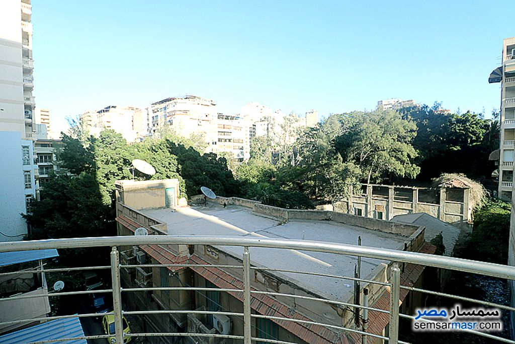 Ad Photo: Apartment 3 bedrooms 2 baths 200 sqm super lux in Kafr Abdo  Alexandira