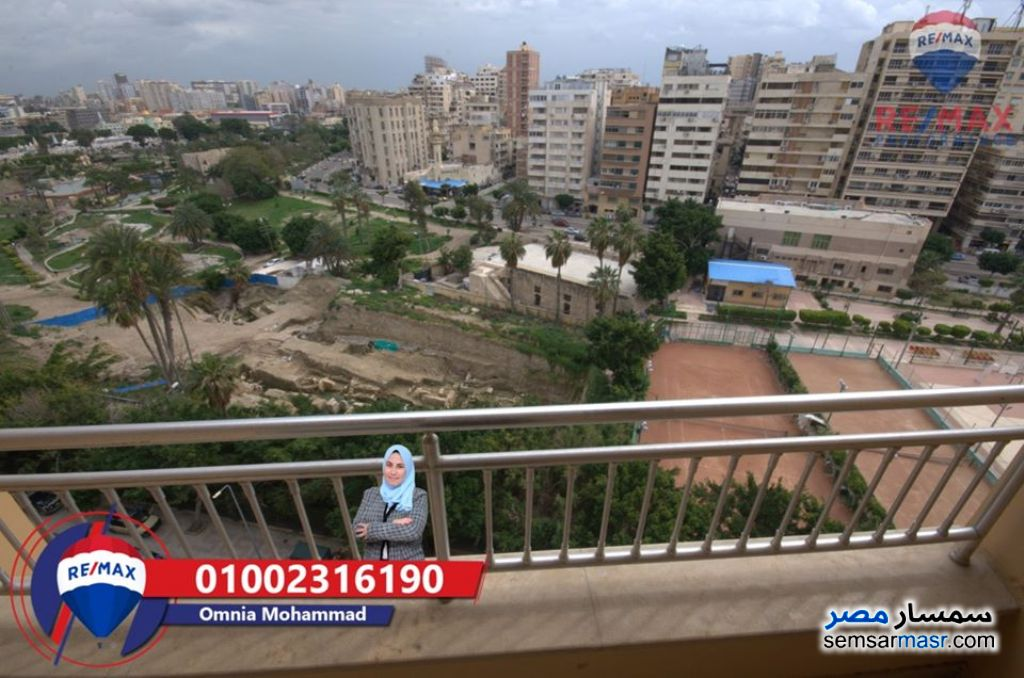 Ad Photo: Apartment 4 bedrooms 2 baths 297 sqm extra super lux in Cleopatra  Alexandira