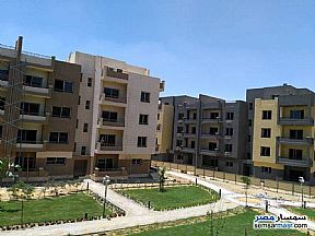 Ad Photo: Apartment 2 bedrooms 2 baths 159 sqm semi finished in October Gardens  6th of October