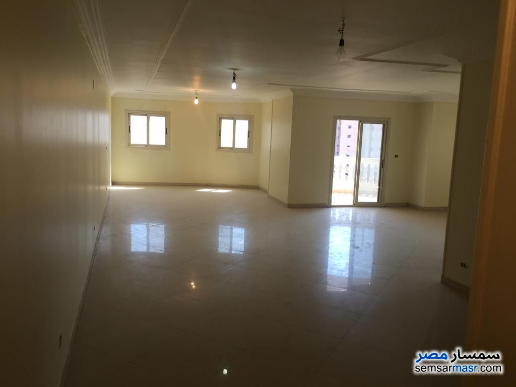 Photo 5 - Apartment 3 bedrooms 2 baths 225 sqm super lux For Sale Maryotaya Giza