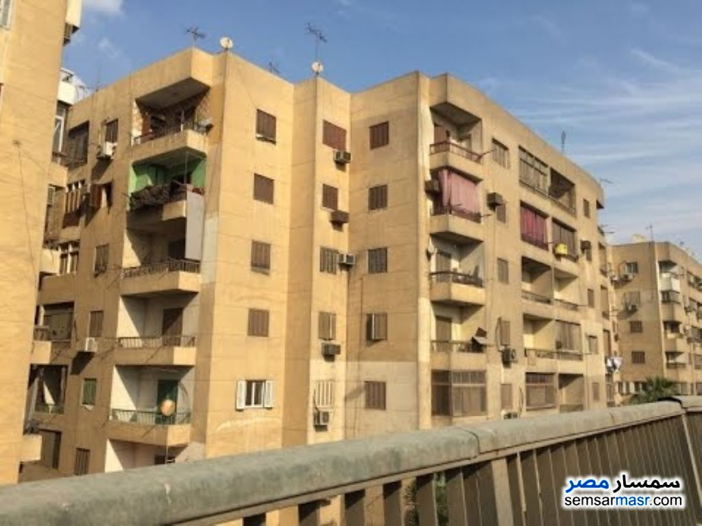 Ad Photo: Apartment 2 bedrooms 1 bath 190 sqm super lux in Boulaq Dakrour  Giza