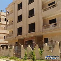 Ad Photo: Apartment 3 bedrooms 3 baths 140 sqm semi finished in Shorouk City  Cairo