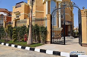 Ad Photo: Villa 6 bedrooms 5 baths 760 sqm extra super lux in Shorouk City  Cairo