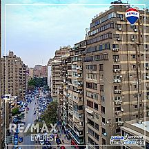 Apartment 3 bedrooms 2 baths 200 sqm lux For Sale Mohandessin Giza - 4